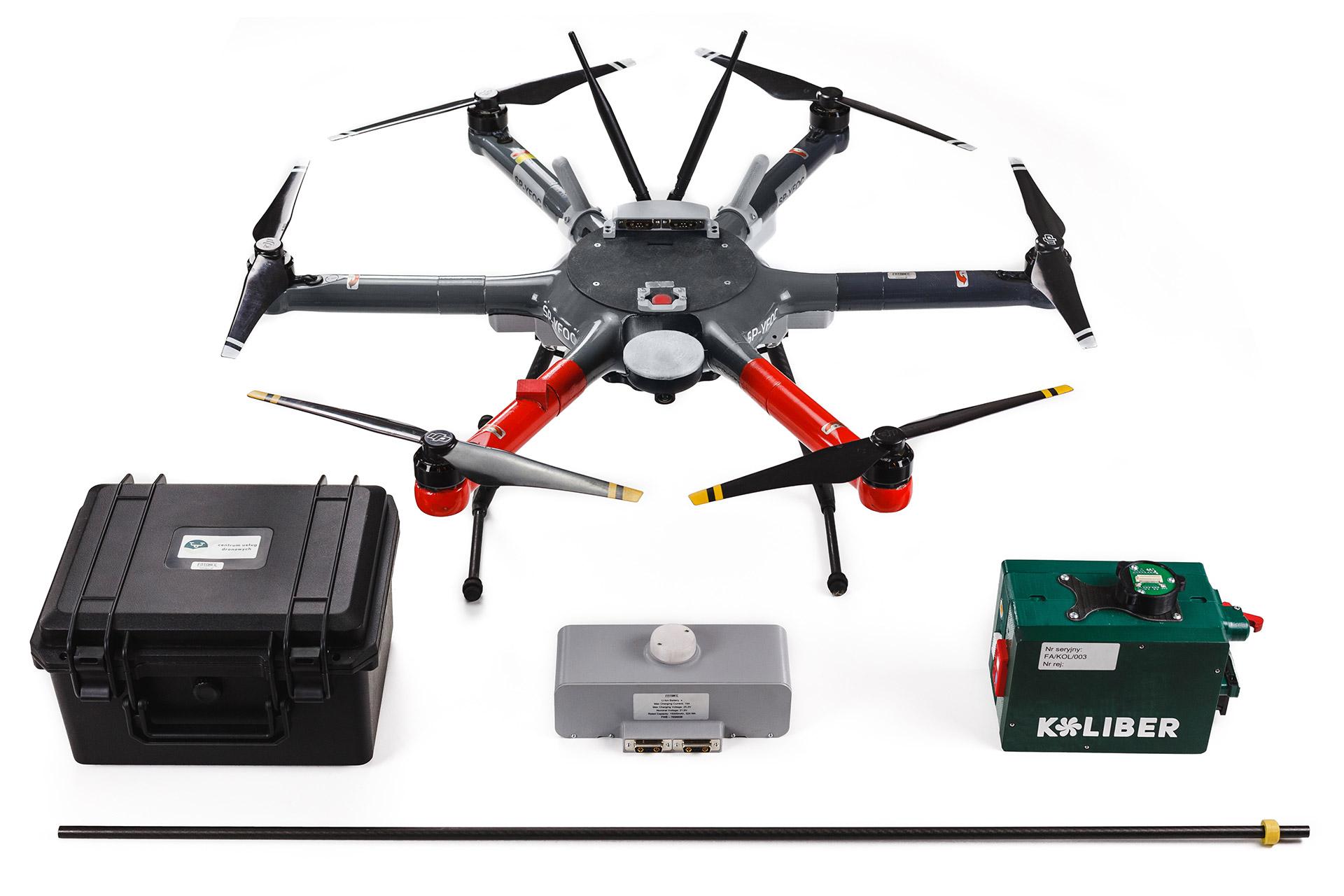 zestaw dronika, heksakopter oraz koliber moduł pomiaru czystości powietrza